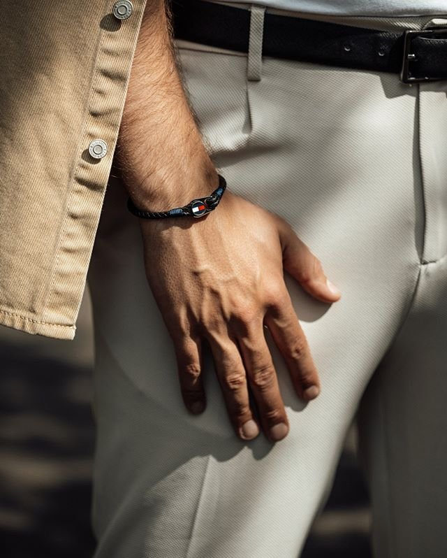 Ráda byste potěšila vašeho muže? Vsaďte na tento moderní kožený náramek značky Tommy Hilfiger. ???????? #klenotyaurumcz #klenotyaurum #sperkynejsouhrich #tommyhilfiger #bracelet #menfashion #menaccessories