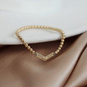 Tento neotřelý dámský náramek Tommy Hilfiger zaručeně osvěží každý váš outfit. ✨ #klenotyaurum #sperkynejsouhrich #tommyhilfiger #bracelet #onlineshopping #tommyhilfigerbracelet #womenstyle #jewelry #fashion #outfit #jewelryinspo #inspiration