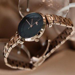 Rosegold je vaše srdcovka? 💗 Tak to by vám neměly uniknout tyto dámské hodinky Lacoste. ⌚🐊 #klenotyaurum #sperkynejsouhrich #watch #lacoste #lacostewatch #womenwatch #rosegold #rosegoldwatch