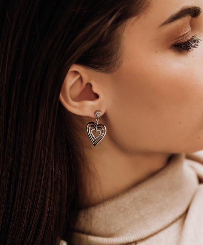 Už víte, čím překvapíte svou lásku na Valentýna? 🤍 #klenotyaurum #sperkynejsouhrich #valentyn #valentineday #present #surprise #jewelry #heart #love #lovely #inspiration #tommyhilfiger #earrings #tommyhilfigerearrings