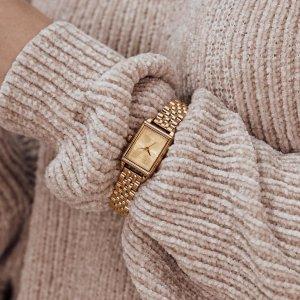 Čas na odpočinek? ☕️ Přejeme vám pohodový víkend. 🌸  #klenotyaurum #sperkynejsouhrich #oliviaburton #oliviaburtonwatches #goldwatch #womenwatch #accessories #yellowgold